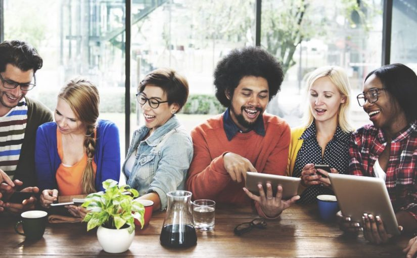 How To Network Like A Pro: An Essential Guide For The Budding Social Butterfly